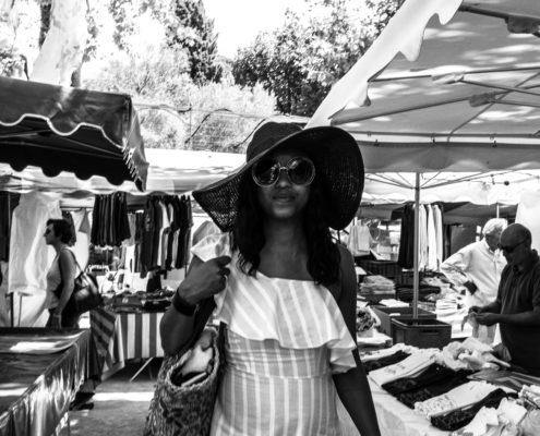 woman market