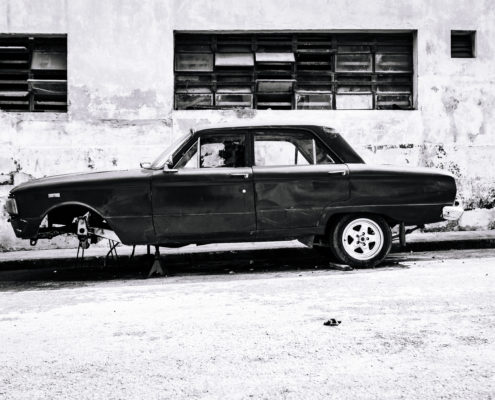 black car wheel cuba