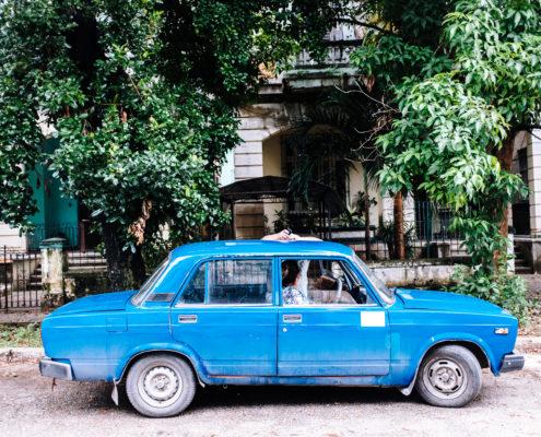 car blue chat