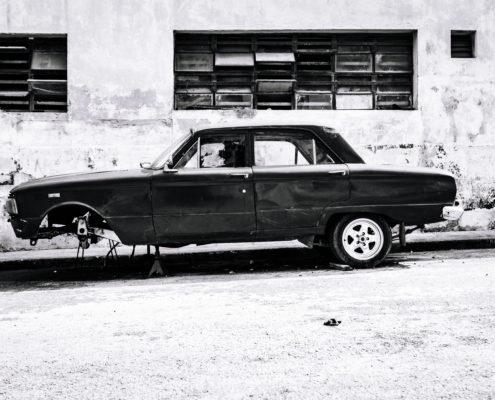 black car wheel cuba